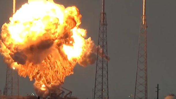 Ракета Falcon 9 вибухнула під час тестувань