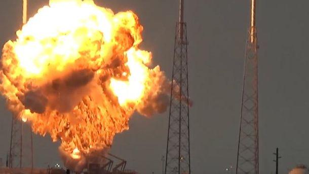 Ракета Falcon 9 взорвалась во время тестирования