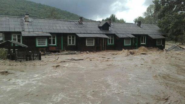 Три села полностью затопила вода