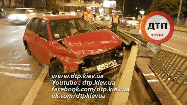 Очень нетрезвый шофёр затеял драку сполицейскими вКиеве