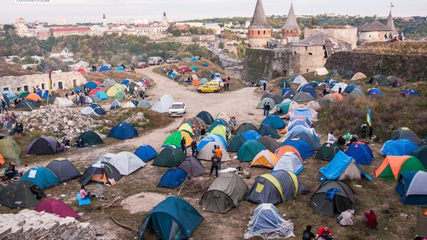 Палаточный городок на фестивале Respublika