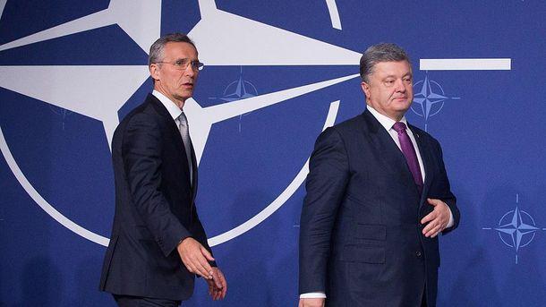Генсек НАТО Йенс Столтенберг и Петр Порошенко