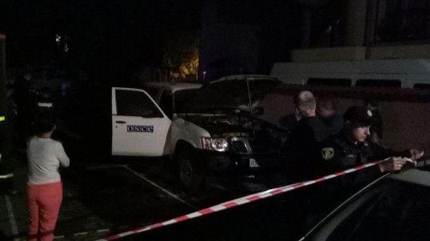 Вспыхнул внедорожник Nissan Patrol.