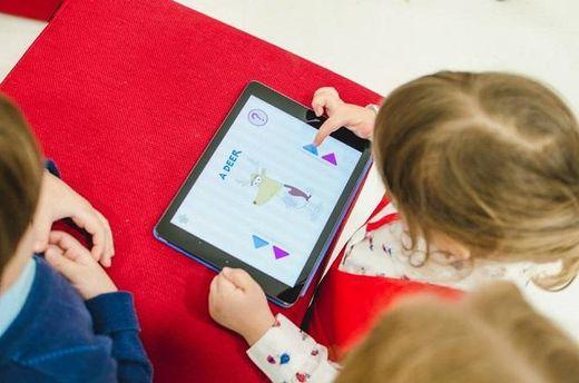 Сучасні пристрої допомагають дітям