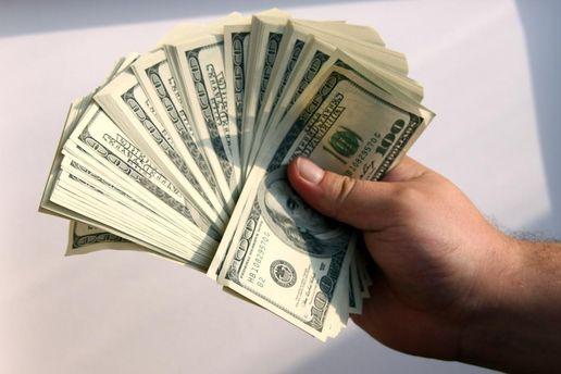 Следователь налоговой за10 тыс. долларов вернул предпринимателю его имущество