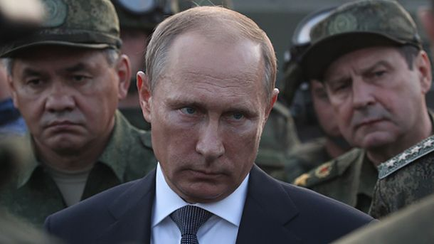 Володимир Путін любить військових