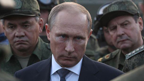 Владимир Путин любит военных