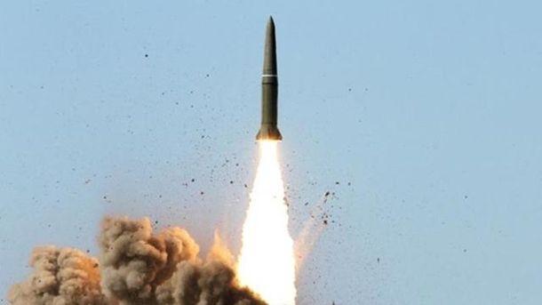 Баллистическая ракета. Иллюстрация