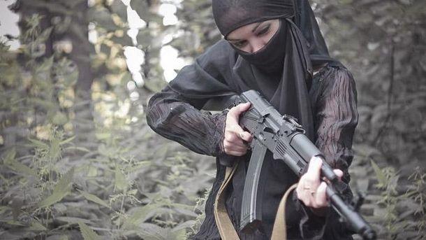 Мусульманка с оружием