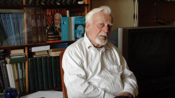 Скончался украинский писатель и публичный деятель Роман Иванычук