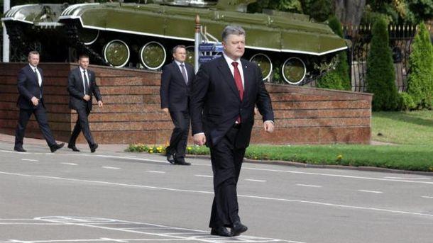 Порошенко: Украина все еще заинтересована влетальном оружии отЗапада