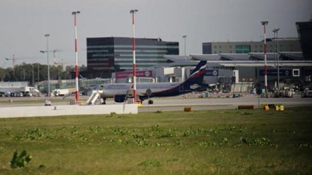 Російський літак у польському аеропорту
