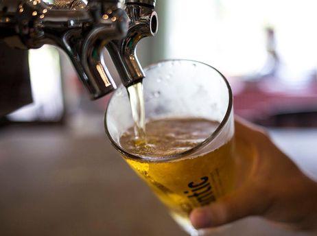 Полезные свойства пива: ученые сообщили что его употребление делает человека счастливым