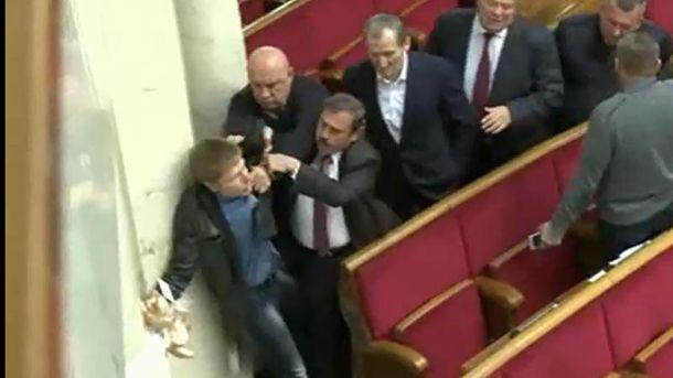 """Гончаренко подрался с нардепами от """"Оппоблока"""" в Раде"""