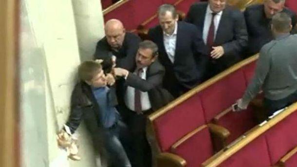 Бійки депутатів впливають на імідж України