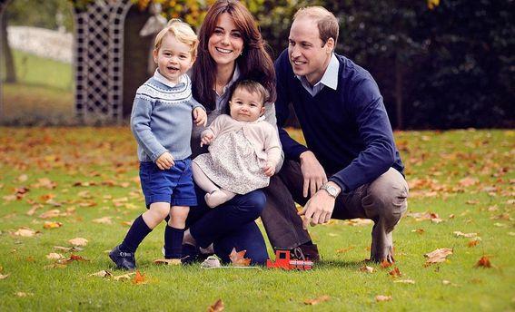 Принц Уильям с женой и детьми