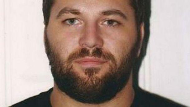 Появились фото преступника, который расстрелял полицейских