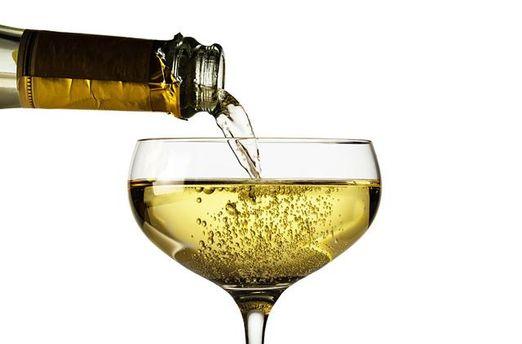 Ученые создали заменитель алкоголя, которые не вредит здоровью