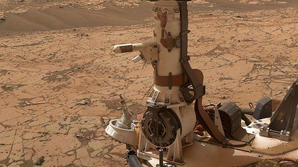 Аппарат Curiosity на поверхности Марса