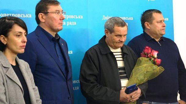 Валерій Тімонін (другий справа)