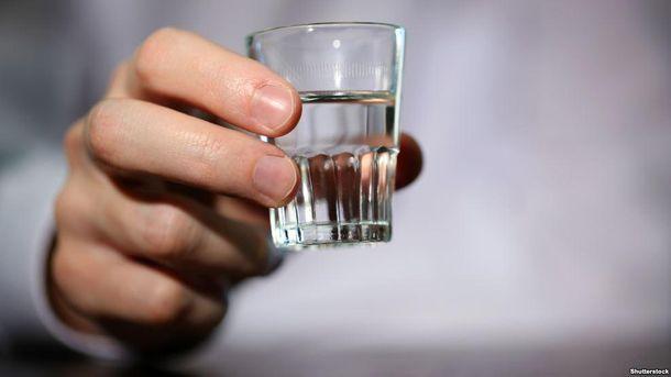 Рюмка с водкой