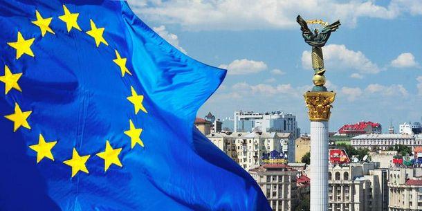Лише половина українців хочуть до Європи