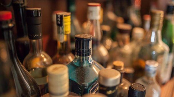 Встановлено особу виробника сурогатного алкоголю, щоспричинив смертельне отруєння людей
