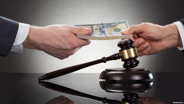 Прокурор и адвокат попались на взятке