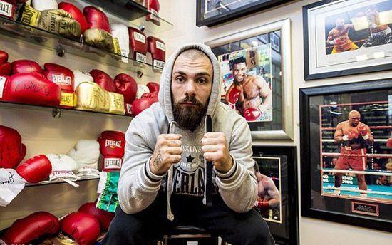 Шотландський боксер Майк Тоуелл помер від отриманих нарингу травм