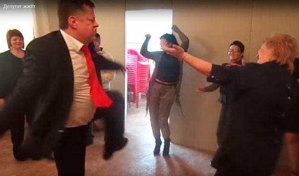 Костянтин Федотов танцює