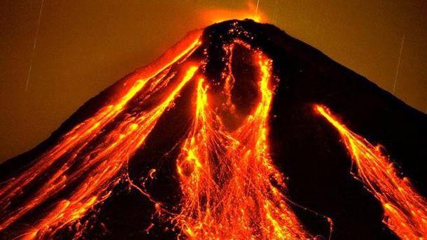 З'явилось вражаюче відео виверження вулкану у Мексиці