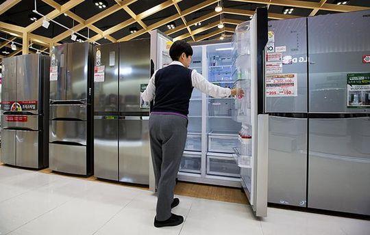 Создатель антивируса продемонстрировал «умный» холодильник, подключившийся кпорносайту