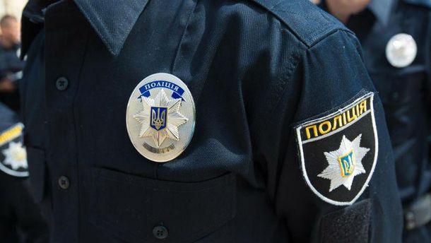 СМИ пишут обизнасиловании девушки полицейскими, в милиции изучают информацию