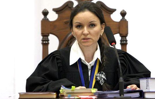 Уволенная судья Царевич подала иск против Петра Порошенко