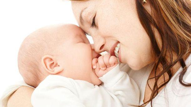 Зв'язок з матір'ю  впливає на розвиток деяких зон мозку.