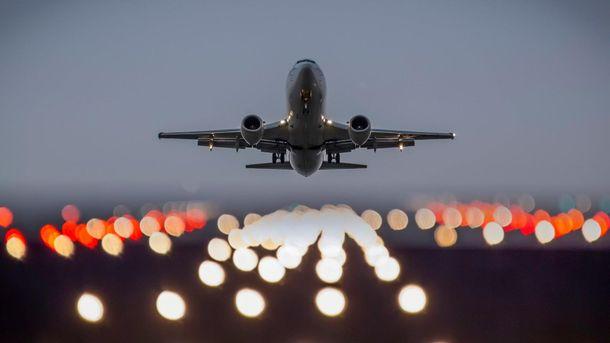 Самолет (иллюстрация)