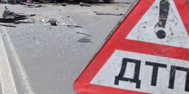 Украинский микроавтобус попал вДТП вПсковской области, три человека ранены