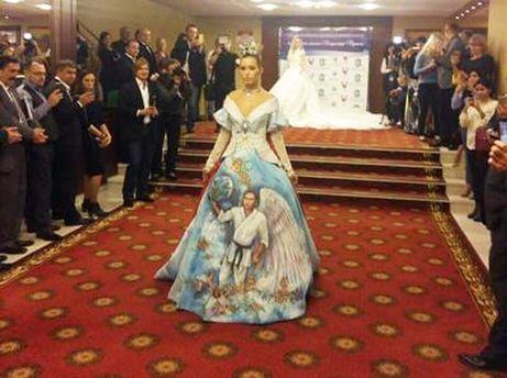 Путин вкимоно сангелочками: в РФ показали одеяние «Лик царя»