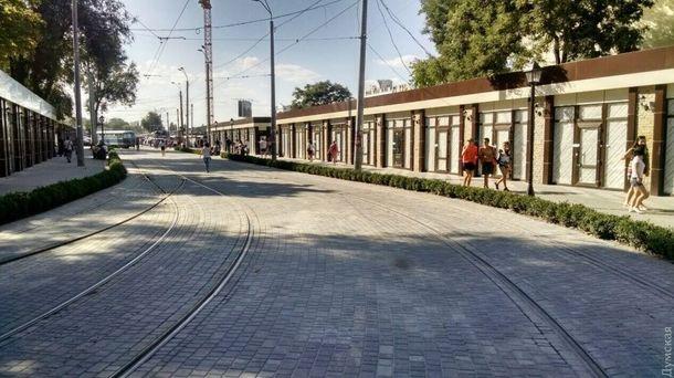 Дитина, яка потрапила під трамвай в Одесі, померла