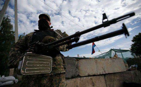 Терористи на Донбасі продовжують обстрілювати українські позиції