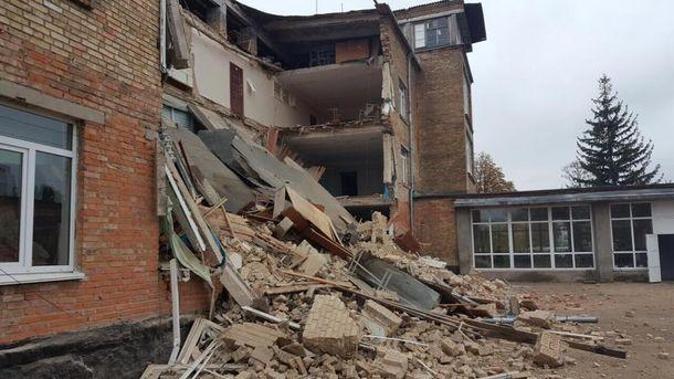 Стали відомі важливі деталі про обвал школи у Василькові