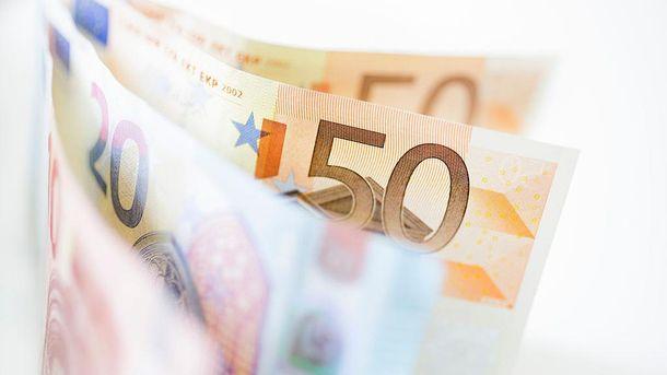 Евро теряет в цене