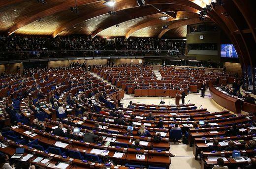 Пока русской делегации нет, ПАСЕ приняла русофобскую резолюцию