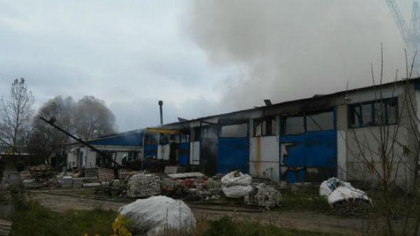 ВХарьковской области сгорел склад спиломатериалами
