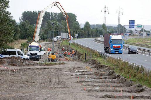 Будівництво стіни у Франції