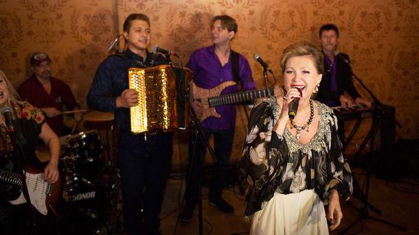 Цыганова в свое время написала и исполнила гимн