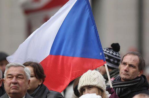 Сенат Чехии призвал РФ закончить поддержку боевиков вДонбассе