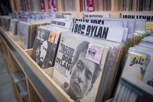 Боб Дилан убрал упоминание оНобелевской премии сосвоего сайта