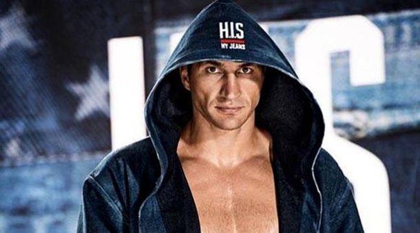 Уоррен: Кличко незаслуживает боя затитул WBA