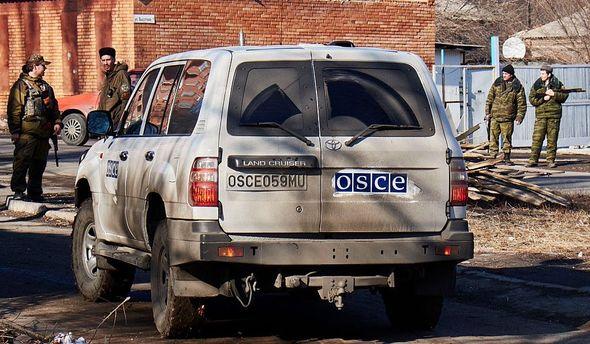 Автомобиль ОБСЕ попал под обстрел налинии разграничения